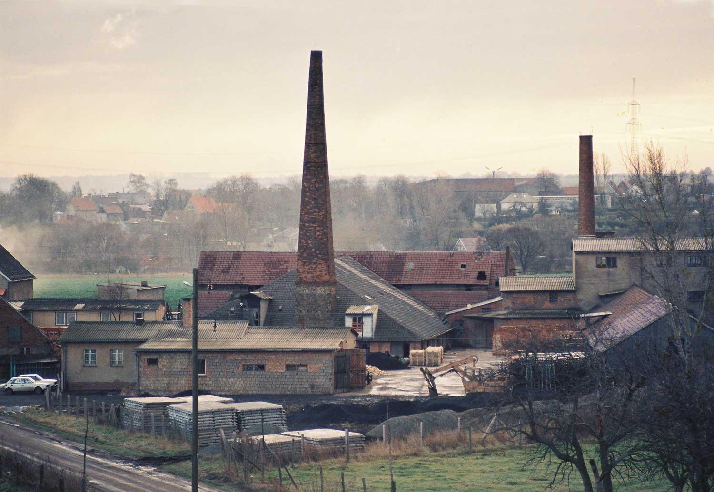 Die Ziegelei vor 1989 © Hundisburger Baustoffmanufaktur