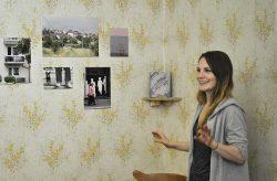Sofia Brandes vor ihrem Projektbeitrag, Foto: J. Palatini