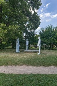 """""""Röckener Bacchanal"""", Skulpturengruppe von Claus F. Messerschmidt © behnelux gestaltung"""