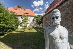 """Einzelfigur aus der Skulpturengruppe """"Röckener Bacchanal"""" © behnelux gestaltung"""