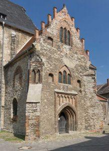 Die von der Ritter-Familie von Hake 1495 gestiftete Kapelle an der St.-Stephani-Kirche Calbe, Foto: H.-D. Steinmetz