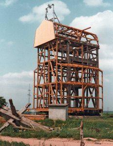 Bild 11: Etappen des Wiederaufbaus vom 28.06. bis 08.09.1993; Foto: T. Neitzel