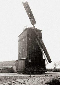 Bild 8: Die Mühle in Frenz mit nur zwei Flügeln; Foto: Historisches Museum und Bachgedenkstätte Köthen