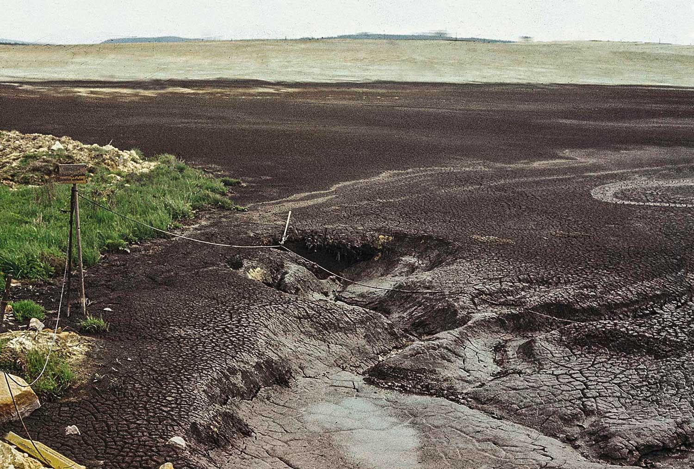 Schluckloch im Karst, über das die Trinkwasserversorgung Rübelands durch belastetes Oberflächenwasser stark beeinträchtigt wurde; Foto: H. Scheffler