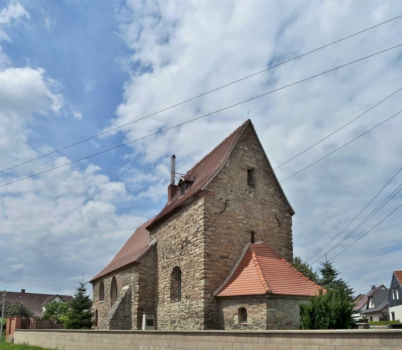 Typische Ostturmkirche – Daspig; Foto: M. Beitz