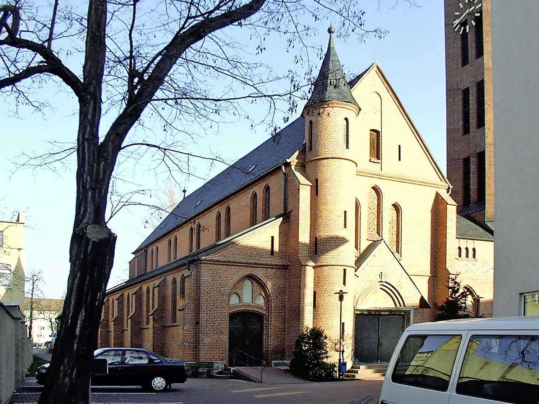 Bitterfeld, Kirche Herz-Jesu; Foto: M. Beitz