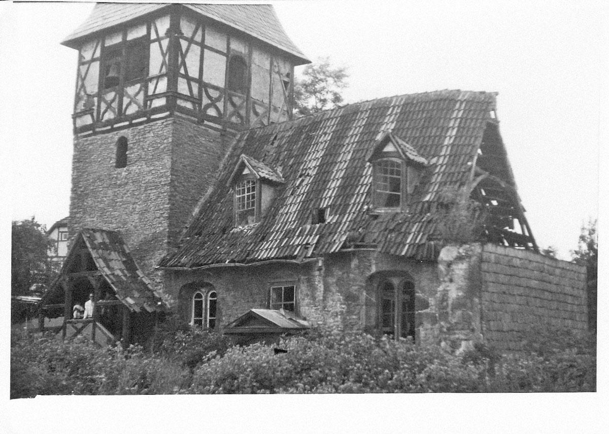 Zustand der Kirche in den 1990ern. Foto: Angela Kühne.