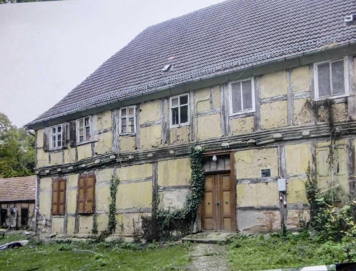Pfarrhaus vor der Sanierung. Erika Kumpert