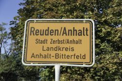 Ortsschild Reuden (Anhalt). Foto: Martin Beitz