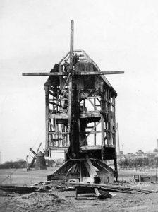 Bild 5: Mühle Max Koch (Abriss) und Mühle Trittel. Heimatmuseum der  Stadt Aken.