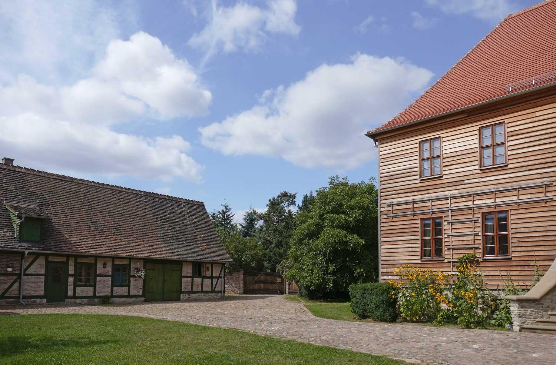 Herzogliches Forsthaus Kleinzerbst, Außenansicht, Foto: F. Schories