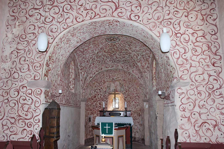 Kirche Siedengrieben, Blick in den Altarraum mit der Apsis. Foto: Ulf Frommhagen