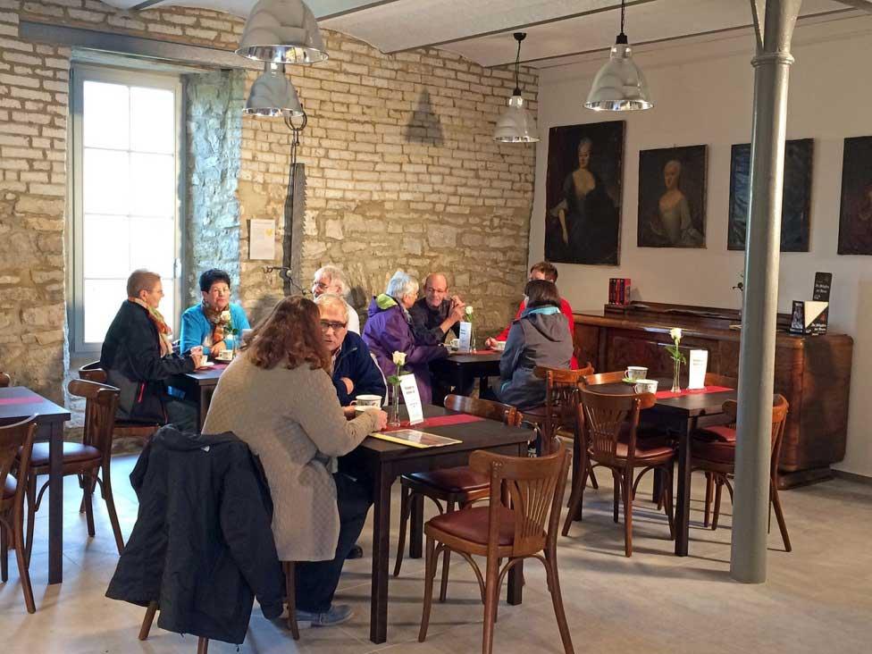 Blick ins Café © Dorfladen Deersheim eG