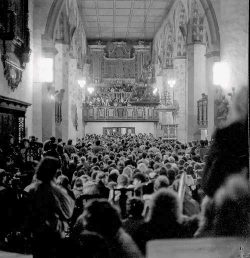 Versammlung des Neuen Forums in der Jacobikirche Sangerhausen im Nobember 1989. Foto: Archiv Verein für Geschichte von Sangerhausen und Umgebung e. V.