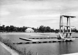 Schwimmbad 1931. Stadtarchiv Magdeburg