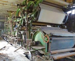 Bild 14 Die 2019 in großen Teilen noch vorhandene Papiermaschine von 1886. Foto: Uwe Klamm.