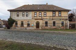 Das alte Pfarrhaus in Mehringen, Stadt Aschersleben. Foto: Matthias Behne, lautwieleise Halle