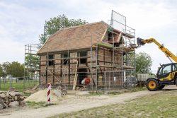 Arbeiten an der Kirche im Mai 2020 Foto: FLM Diesdorf