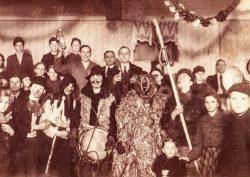 Brauchträger 1948. Wichtig war damals noch das Einsammeln von Naturalien. Foto: Archiv Miosge